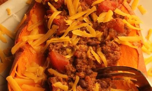 Chili Boats - Venison Burger Chili